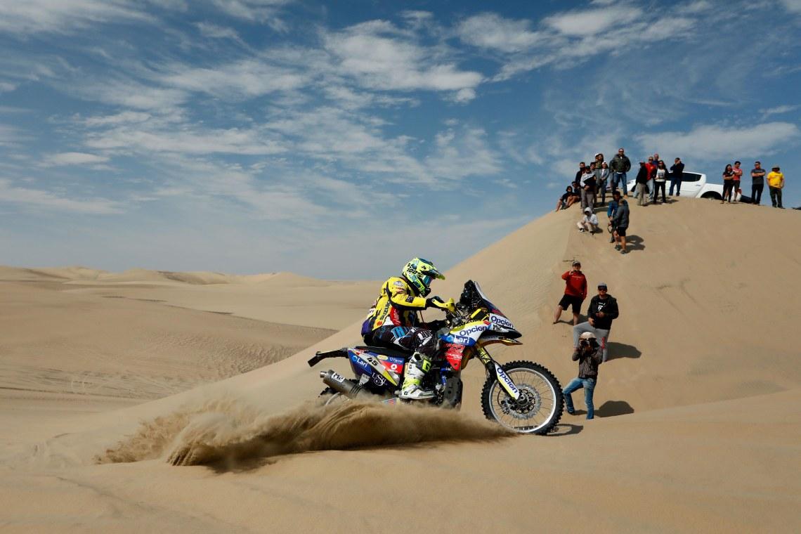 Team Suzuki- Roberto Vecco- Dakar Series (2).jpg