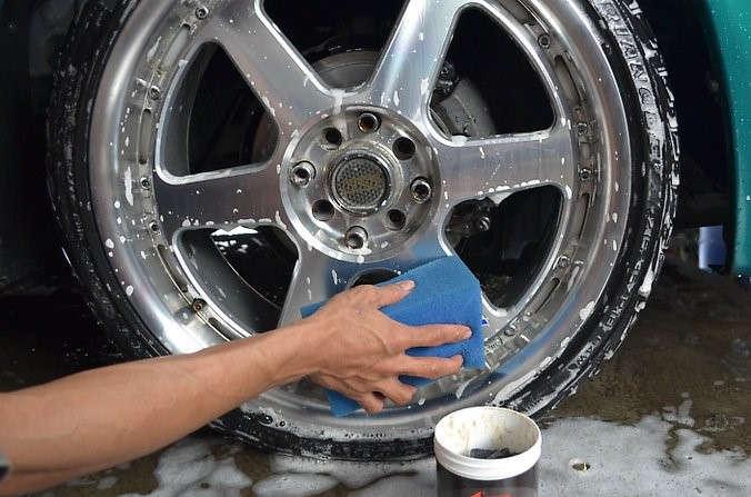 incapower-consejos-cuidado-limpieza-llantas-camion
