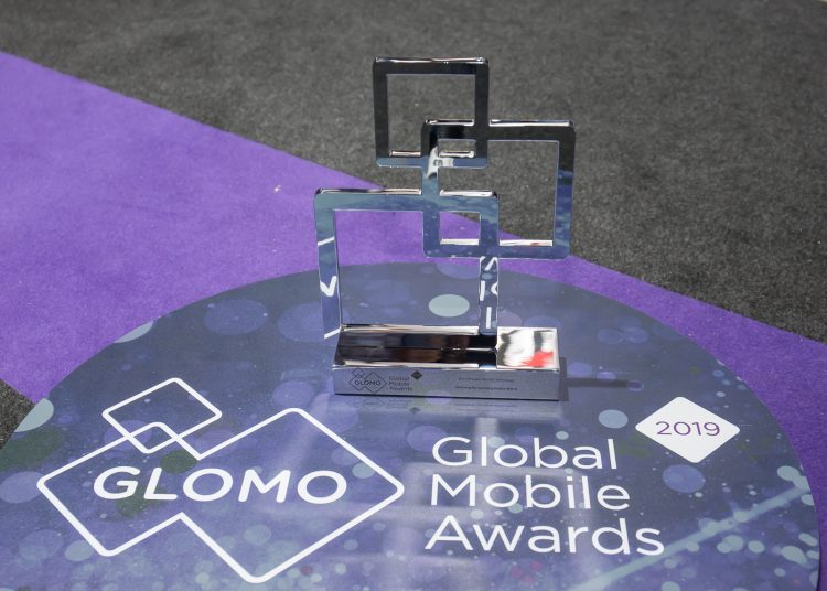 GLOMO-Awards_Galaxy-WatchBest-Wearable-Mobile-Technology-e1551293458877