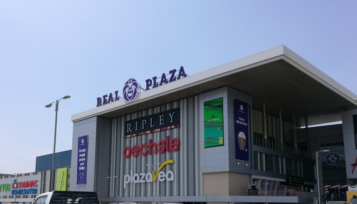 real plaza199981008..jpg