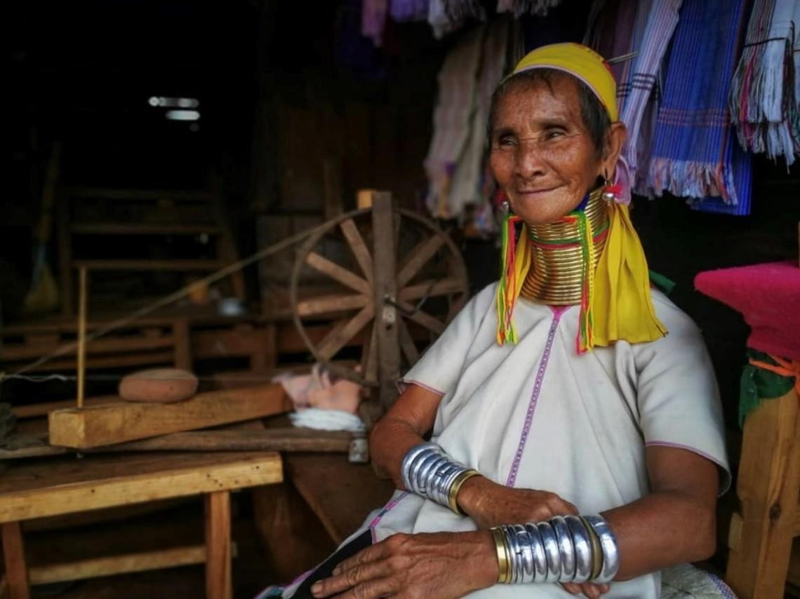 Kayan Woman - Por Talia Lostaunau - Con Huawei P10
